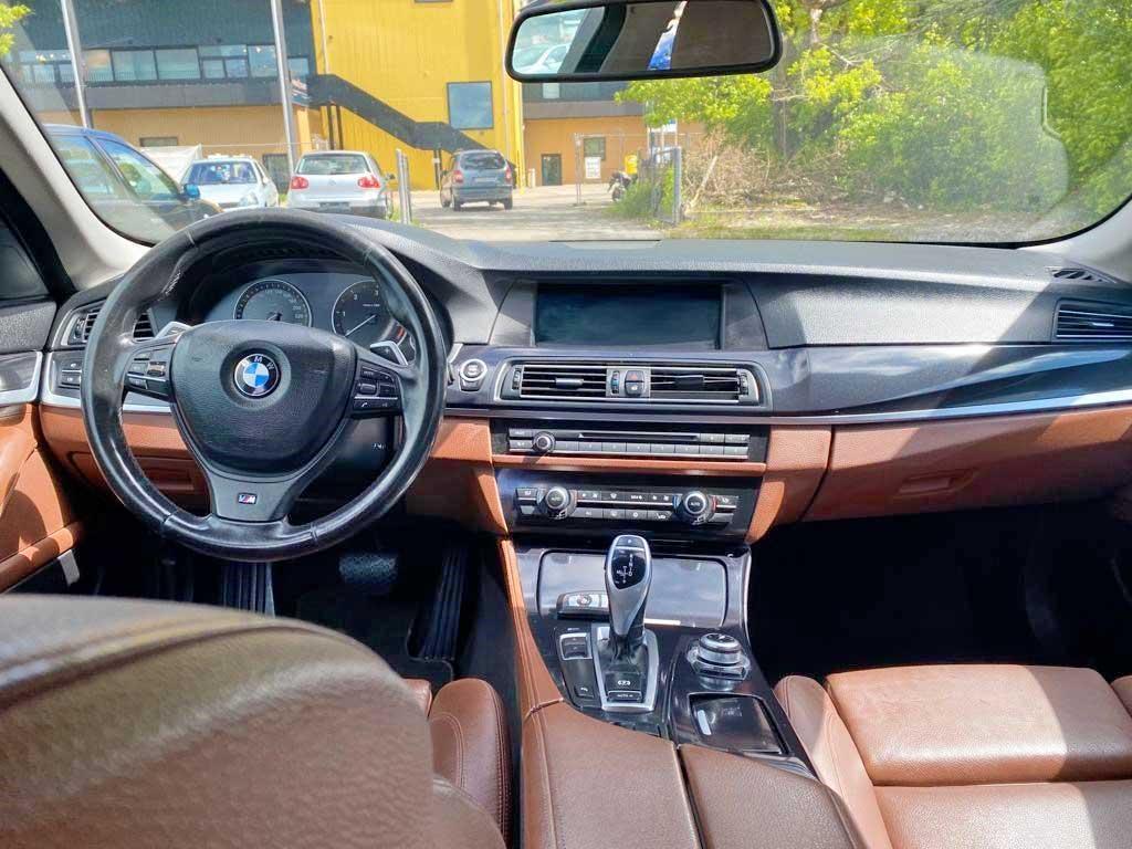 BMW 530d Touring Steptronic 2011 Diesel Automat Kombi 192000km 258PS 1895kg Cockpit