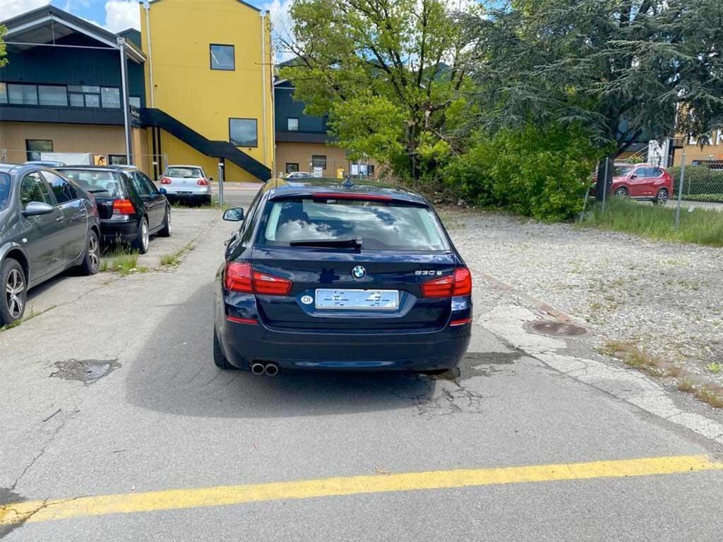 BMW 530d Touring Steptronic 2011 Diesel Automat Kombi 192000km 258PS 2993ccm Heck hinten