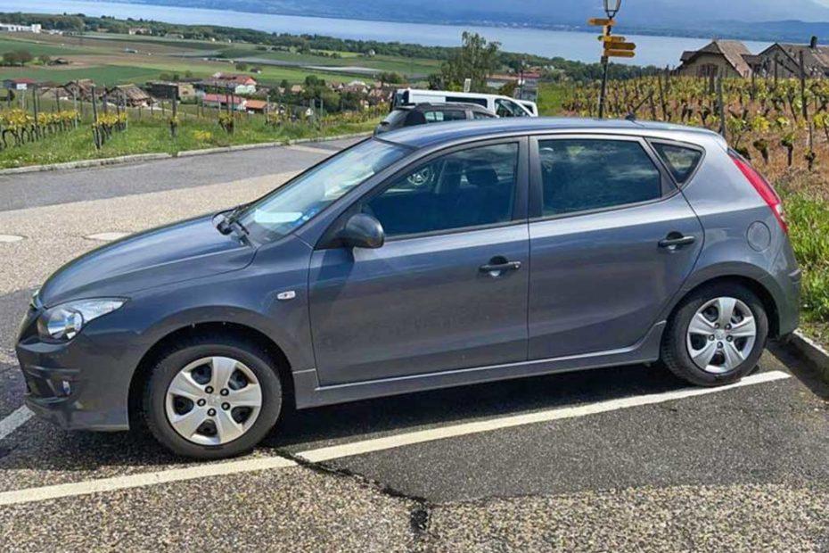 HYUNDAI i30 1.4 Comfort Limousine 2011 Automat Benziner 146000km 110PS 1396ccm 1370kg