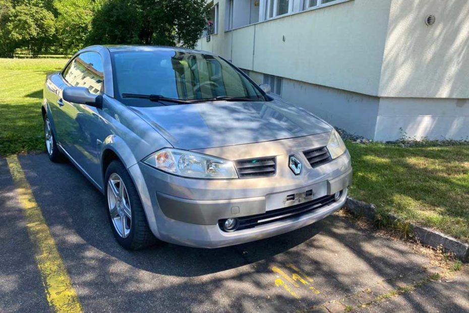 RENAULT Megane C-C 2.0 16V T Dynamic Confort Cabriolet 2005 Benziner 146000km 163PS 1998ccm 1610kg
