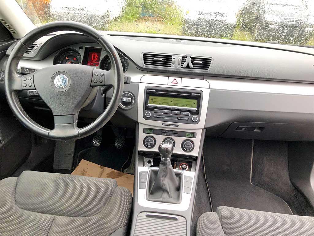 VW Passat Variant 2.0 TDI Comfortline 4Motion Kombi 2009 Diesel manuell 140PS 1968ccm 1670kg 236000km Cockpit