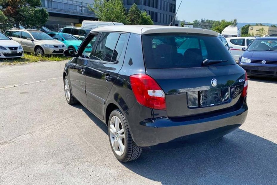 SKODA Fabia 1.6 Ambiente Kleinwagen 2009 Benziner 105PS 1598ccm 1180kg 153000km