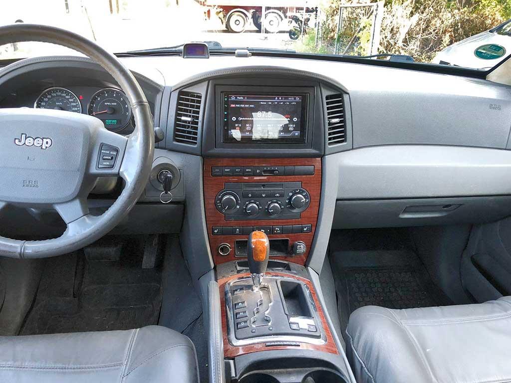 JEEP Grand Cherokee 3.0 CRD Limited Automatic SUV Gelaendewagen 2006 Diesel 218PS 2987ccm Allrad 6Zylinder 2310kg Cockpit 203456km