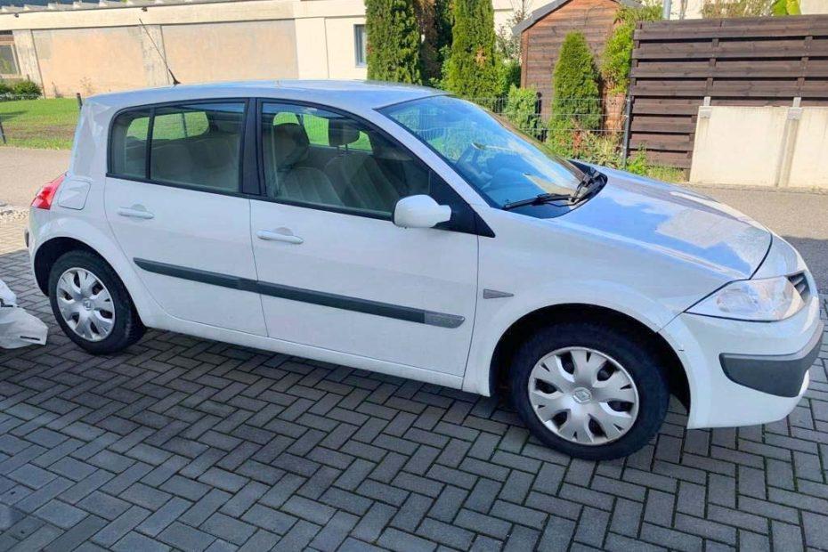 RENAULT Mégane 1.6 16V Emotion Limousine 2006 Benziner 113PS 1598ccm manuell 96557km 1395kg