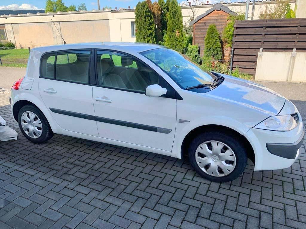 RENAULT Mégane 1.6 16V Emotion Limousine 2006 Benziner manuell
